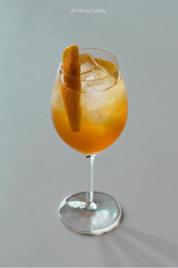 Share this light spritz cocktail on pinterest