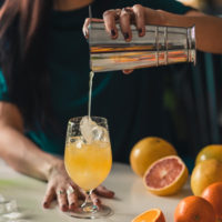 learn how to make gin and juice at home