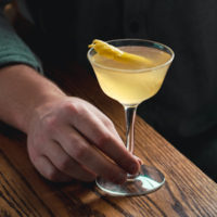 French 75 Cocktail Recipe with Gin and Champagne