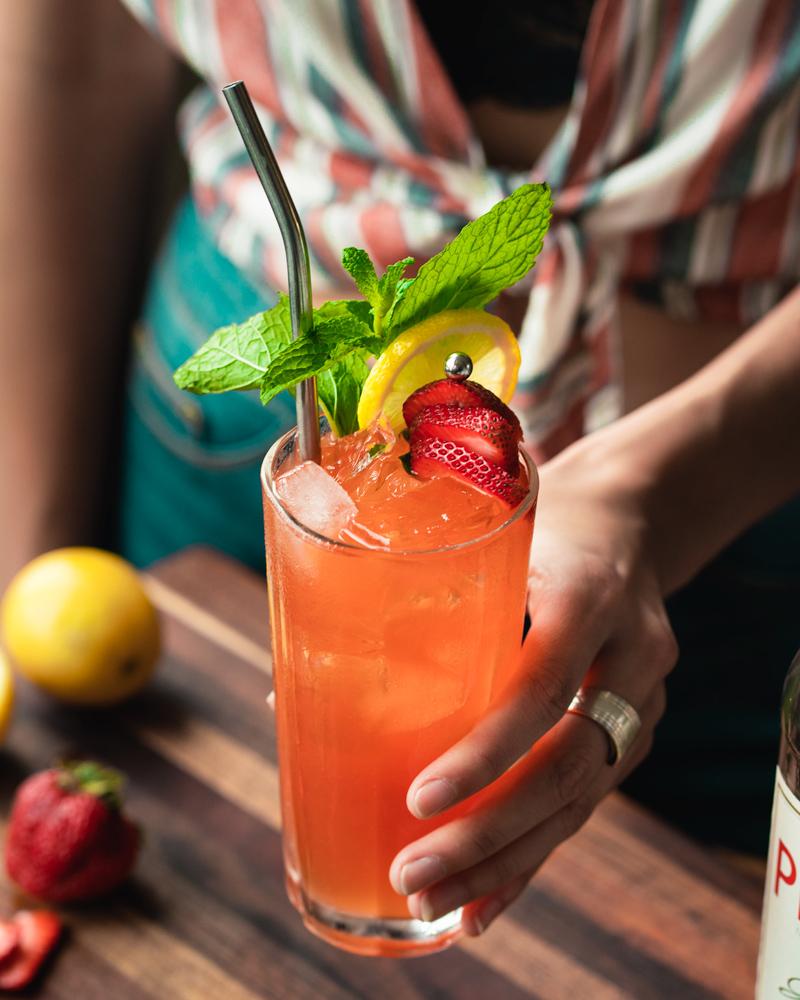The mint strawberry and lemon pimms garnish
